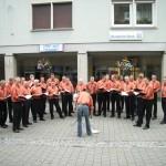 """""""Singendes Hohenlohe"""" am 1.7. in Crailsheim: Liederkranz Ruppertshofen-Leofels beim Ansingen in der Langen Straße"""